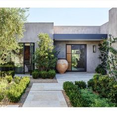 garden entry ~ 📷 biegnermurff biegnermurffarchitects davidmichaelmillerassociates berghoffdesign desertstarconstruction is part of House designs exterior - Landscape Design, Garden Design, Garden Art, Modern House Design, Curb Appeal, Exterior Design, Future House, Beautiful Homes, Architecture Design