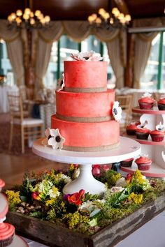 Coral #wedding #cake with flowers
