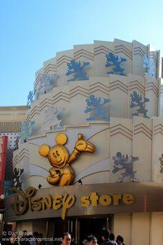 Disney Store: Ikspiari, Tokyo Disney Resort, Japan