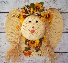 These DIY fall wreaths are quite versatile, so you will for sure love to make some of them. Hat Crafts, Wreath Crafts, Diy And Crafts, Diy Fall Wreath, Fall Wreaths, Straw Hat Scarecrow Wreath, Halloween Crafts, Holiday Crafts, Diy Straw