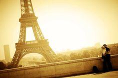 Romance of Paris : www.pajama-days.com