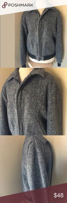 Woolrich vintage black and gray lined coat size M Woolrich Vintage Black and gray coat lined size M Woolrich Jackets & Coats
