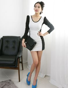 textured fabric monochrome panel dress  CODE: MGN166  Price: SG $71.25 (US $57.46)