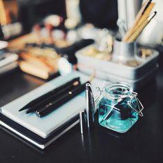 Happy quiet time washing Pilot M90 from clogged ink. Back from Taiwan last night. #pen #fountainpen #fountainpenink #ink #desk #desktop #deskbound #stationery #stationeryporn #stationerylove #stationeryaddict #cleaning #pilotpen #pilotm90