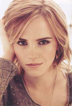 Ms. Emma Watson--simple, fresh makeup.