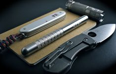 www.dailycarry.co edc, daily carry, pocket dump, knives, wallets, keychain, lighter, minimal, pocket knife, multi-tool, flashlight, watches, tactical pen, watches, notebook, field notes, fenix, spyderco, zebralight,