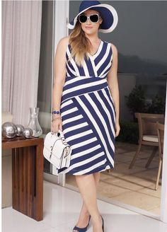 Palank Alto Verão 2016 by Palank Plus Size Look Plus Size, Curvy Plus Size, Plus Size Girls, Fat Fashion, Curvy Girl Fashion, Plus Size Fashion, Plus Size Dresses, Plus Size Outfits, Moda Feminina Plus Size