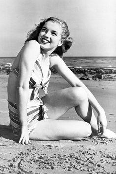 Marilyn mccoo in bikini photo, naked boobs games