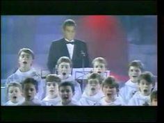 placido domingo ave maria avec les petits chanteurs a la croix de bois