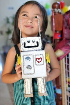 Decorate: Robot Birthday Party   Mom Inc Daily