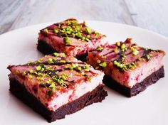 Himbeer-Cheesecake-Brownies - so geht's | LECKER