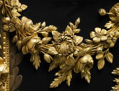 One more detail of the  Louis XVI Secretary by ebenist Jean Henri Riesener for Marie Antoinette. Composed of intertwined garlands of naturalistic flowers that incorporate the queen's monogram MA in the center, is among the best known pieces of royal furniture