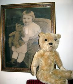 Other Antique Decorative Arts Little Bear Behind Copyright 1905 With Attached Teddy Bears On The Frame Antiques