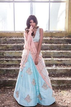 Bridal Lehengas in Refreshing Shades of Light Blue And How To Wear Them! Floral Lehenga, Blue Lehenga, Lehenga Style, Lehnga Dress, Anarkali Gown, Shades Of Light Blue, Indian Couture, Western Dresses, Indian Attire