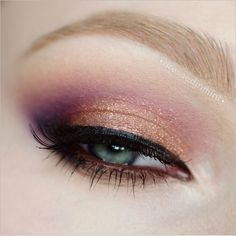 Sleek V2 Darks + MAC Electric Cool Eyeshadow