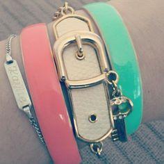 I love these bracelets for summer :)