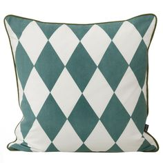 The Geometry cushions are decorated with different graphical patterns. With these you can awaken even a dull interior.