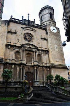 Iglesia de San Esteban. Olot.Gerona España.