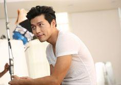 Hyun Bin god I love his dimples Hyun Bin, Asian Actors, Korean Actors, Asian Celebrities, Korean Dramas, Lee Min Ho, Hyde Jekyll Me, Netflix, Soul Songs