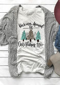 Rocking Around The Christmas Tree T-Shirt. We do not use heat transfer vinyl, iron-on transfers or screen printing. We use a cutting edge professional DTG printing process that puts eco-friendly ink directly into the fabric. Home T Shirts, Vinyl Shirts, Fall Shirts, Vintage Outfits, Vintage Stil, Diy Weihnachten, Diy Shirt, Look At You, Personalized T Shirts