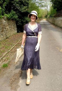 True 1930s vintage outfit inspired by The Durrells and featuring Royal Vintage Shoes Sylvia Pumps