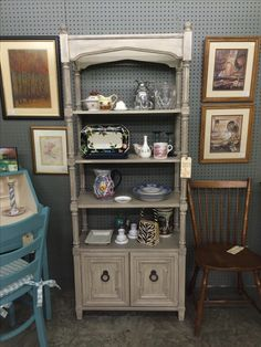 Open shelved étagère, painted with Annie Sloan Chalk Paint (Old & Pure White blend with French Linen wash). Waxed with clear & dark wax. Currently for sale at Georgetown Peddler's Mall, Georgetown, KY. Booth 366