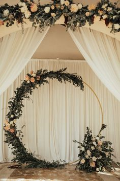 This Natural and Romantic Wedding Will Give You All the Feels. decoration romantic This Natural and Romantic Wedding Will Give You All the Feels Romantic Weddings, Unique Weddings, Fairytale Weddings, Rustic Weddings, Outdoor Weddings, Romantic Wedding Flowers, Spring Weddings, Country Weddings, Engagement Party Decorations