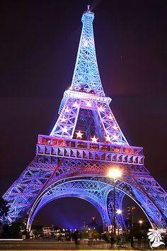 Woodif Co Photo - Tour Eiffel by Ilmartino 432050569985281 Eiffel Tower Photography, Paris Photography, Nature Photography, Et Wallpaper, Paris Wallpaper, Beautiful Paris, Paris Love, Paris Pictures, Paris Photos