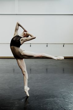 My life = BALLET! My favorite/most inspiring ballet dancers: Maria. Dance It Out, Just Dance, Misty Copeland, A Well Traveled Woman, Dance Like No One Is Watching, Dance Movement, Ballet Photography, Dance Poses, Ballet Beautiful