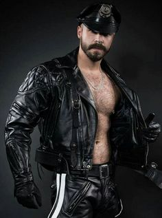 Men's Leather Jackets: How To Choose The One For You. A leather coat is a must for each guy's closet and is likewise an excellent method to express his individual design. Leather jackets never head out of styl Mens Gloves, Leather Gloves, Leather Men, Leather Jacket, Hairy Men, Bearded Men, Leder Outfits, Rocker, Leather Fashion