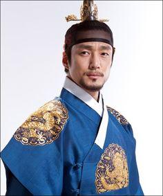 Korean actor Ji Jin-hee, as he appeared in the K-drama Dong Yi.