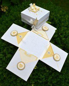 Die Box, die ich Dir heute zeige, kommt wunschgemäß in den zarten Farben (Vanille Pur, Flüsterweiß, Safrangelb und ein ganz klein wenig...