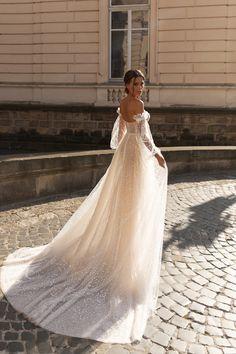 Diamond Bridal Gallery Introduces Romantic and Feminine Wedding Dress Designer Valeri Gross Wedding Dress Prices, Custom Wedding Dress, Wedding Dresses For Girls, Tulle Wedding, Cheap Wedding Dress, Bridal Lace, Boho Wedding Dress, Wedding Gowns, Long Sleeve Bridal Dresses