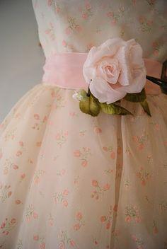 fashion | Vintage Rose Garden