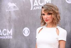 Police: 3 Conn. residents threw beer bottles, cussed outside Taylor Swift's beach house - Police in Rhode Island say they arrested three Eastern Connecticut residents outside Taylor Swift's beachfront home after they accosted security guards at the singer's property. Read more: http://www.norwichbulletin.com/article/20140618/NEWS/140619472 #CT #Stonington #Connecticut #RhodeIsland #TaylorSwift #Crime #Police