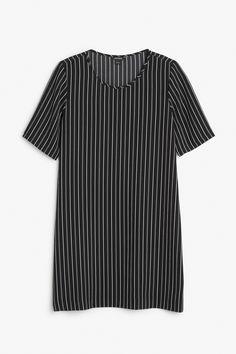 Monki Image 1 of Textured t-shirt dress in Black