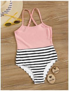 Bathing Suits For Teens, Summer Bathing Suits, Swimsuits For Teens, Bathing Suits One Piece, Cute Bathing Suits, Teen Fashion Outfits, Girl Outfits, Cute One Piece Swimsuits, Girls One Piece Swimsuit