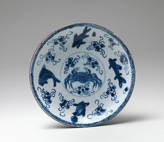 Saucer  Period:     Qing dynasty (1644–1911), Kangxi period (1662–1722) Date:     late 17th–early 18th century Culture:     China