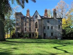 1867 Mansion For Sale In Garrison New York Mansions For Sale, Old Mansions, Garrison Ny, Lyndhurst Mansion, Brick Construction, Vacant Land, Real Estate Companies, In Ground Pools, Historic Homes