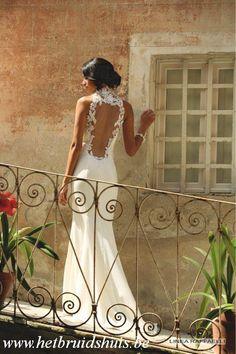 Het Bruidshuis: Linea Raffaelli, collectie 2015, referentie 016-150-013-01 BACK