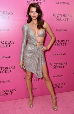 Georgia Fowler Photos - Model Georgia Fowler attends the 2017 Victoria's Secret Fashion Show In Shanghai After Party at Mercedes-Benz Arena on November 2017 in Shanghai, China. - 2017 Victoria's Secret Fashion Show In Shanghai - After Party Sexy Outfits, Sexy Dresses, Fashion Outfits, Womens Fashion, Fashion Fashion, Ladies Fashion, Feminine Fashion, Spring Fashion, Fashion Ideas