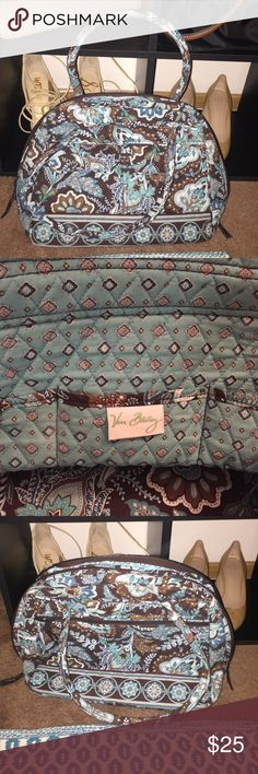 Vera Bradley Bowling Bag NWOT Vera Bradley Bowling Bag. Never used but no tags. Brand new with no defects Vera Bradley Bags Shoulder Bags