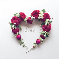 Do all with love Art Floral, Deco Floral, Hearts And Roses, Red Roses, Flower Letters, Flower Wall Decor, Love Wallpaper, Flower Backgrounds, Love Images