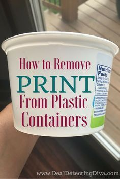 Do you have a collection of butter spread, cottage cheese or sour cream tubs you use for leftovers? Here's how to remove print from plastic containers! Crafts How to Remove Print from Plastic Containers Deep Cleaning Tips, House Cleaning Tips, Diy Cleaning Products, Cleaning Solutions, Spring Cleaning, Cleaning Hacks, Cleaning Recipes, Hacks Diy, Homemade Cleaning Supplies