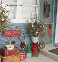 As part of the first time seen when guests visit, Christmas house door decorations are a part that should not be ignored. Cowboy Christmas, Christmas Porch, Outdoor Christmas Decorations, Primitive Christmas, Country Christmas, Christmas Lights, Vintage Christmas, Christmas Wreaths, Christmas Crafts