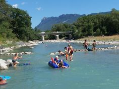 Camping Gervanne Crest Frankrijk Drôme rivier en zwembad