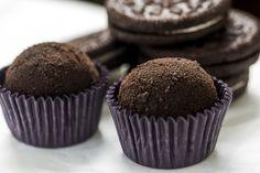 Sweet Dreams - Brigadeiro Cookienero (com oreo) 02 Köstliche Desserts, Delicious Desserts, Yummy Food, Sweet Recipes, Cake Recipes, Dessert Recipes, Chocolate Muffins, Chocolate Recipes, Bike Food