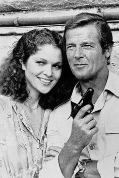 Lois Chiles est le Docteur Holly Goodhead (1981) avec Roger Moore - Moonraker