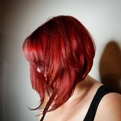 Get ready to 'wow' the world with these spectacular angled bob hairstyles. Get the tips, tricks & guidance needed for a guaranteed fabulous angled bob! Angled Bob Hairstyles, Straight Hairstyles, Cool Hairstyles, Drawing Hairstyles, Blonde Bob Haircut, Haircut For Thick Hair, Medium Hair Styles, Short Hair Styles, Bobs For Thin Hair