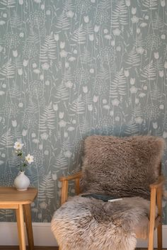 Charlotte's Garden wallpaper in Heath – Hannah Nunn